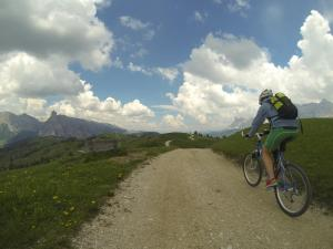 Cycling at or in the surroundings of Ciasa Janing