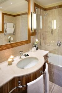 Salle de bains dans l'établissement Starhotels Anderson