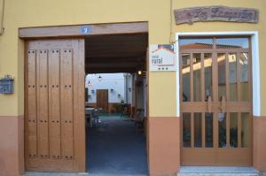 Un patio o zona al aire libre en Casa Rural Los Lláganos