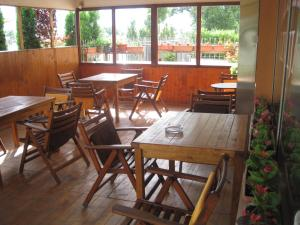 A restaurant or other place to eat at Motel Livija
