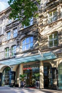 The facade or entrance of IntercityHotel Düsseldorf