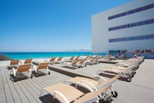 Patio lub wspólna przestrzeń na świeżym powietrzu w obiekcie The Sea Hotel by Grupotel - Adults Only