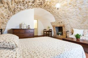 A bed or beds in a room at Nel cuore di Narni