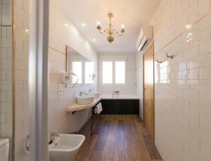 A bathroom at Hotel Real Segovia