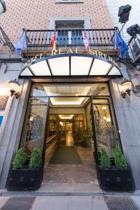 The facade or entrance of Hotel Real Segovia