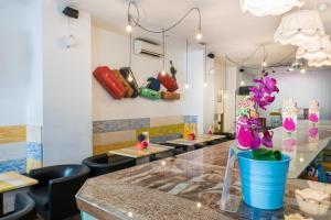 The lounge or bar area at Feel Hostels Soho Malaga