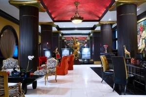 A restaurant or other place to eat at Grand Bohemian Hotel Orlando, Autograph Collection