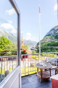 A balcony or terrace at Tyssedal Hotel