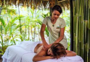 Spa and/or other wellness facilities at Radisson Blu Resort Fiji