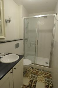 Łazienka w obiekcie MiłoTu - Apartament Uniwersytecki