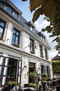 The facade or entrance of In den Roden Leeuw van Limburg