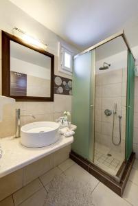 A bathroom at Dream Island Hotel