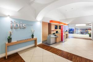 The lobby or reception area at Ibis Praha Old Town