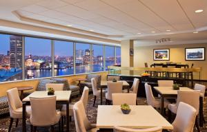 A restaurant or other place to eat at Sheraton Inner Harbor Hotel