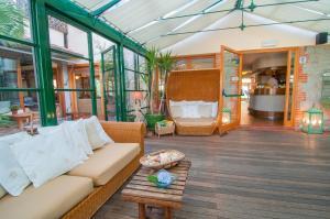 The lobby or reception area at Hotel Cernia Isola Botanica