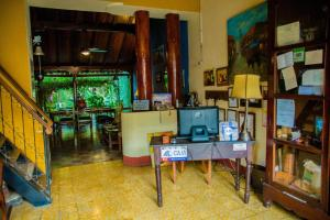 The business area and/or conference room at Posada Fuente Castalia