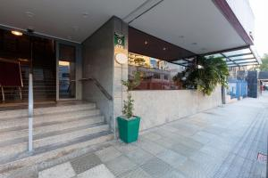 The lobby or reception area at Tri Hotel Smart Caxias