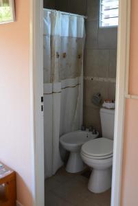 A bathroom at Los Tres Duendes