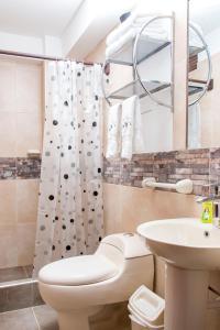 A bathroom at Hotel & Bungalows Villa Valencia