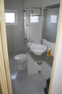 A bathroom at Hotel Xoai
