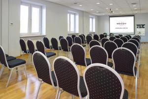 Zaplecze biznesowe lub konferencyjne w obiekcie Mercure Warszawa Airport