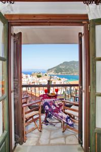 A balcony or terrace at Aperanto Galazio