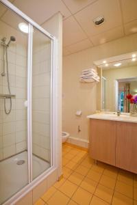 Salle de bains dans l'établissement Hotels & Résidences - Les Thermes