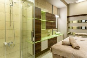 A bathroom at Splendid Conference & Spa Hotel – Adults Only