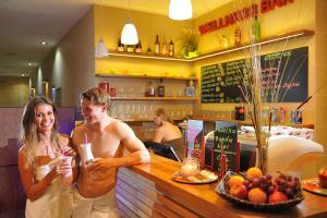 Lounge nebo bar v ubytování Hotel Aqualand Inn