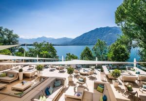 A balcony or terrace at Giardino Lago