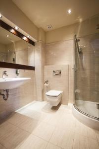 Łazienka w obiekcie Hotel Lubicz