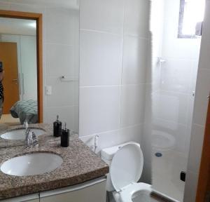 Um banheiro em Apartamento na Ponta Verde