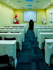 The business area and/or conference room at Hotel Gran Palma Huancayo