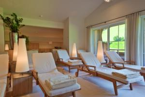 A seating area at 4*S Galtenberg Resort