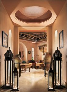 A restaurant or other place to eat at Iberostar Selection Royal El Mansour