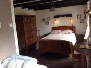 A room at Aux Sources de l'Yonne