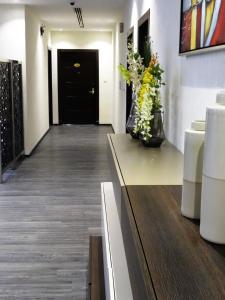 O saguão ou recepção de Dar Hashim Hotel Suites - Al Sahafa