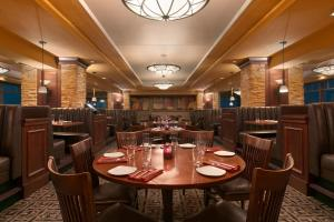 A restaurant or other place to eat at Harrah's Casino & Hotel Council Bluffs