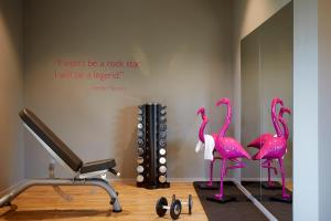 The fitness center and/or fitness facilities at Moxy Munich Airport