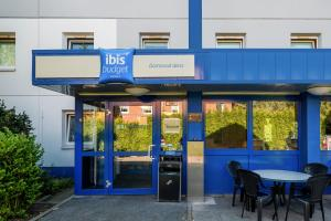 The facade or entrance of ibis budget Dortmund West