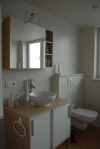 A bathroom at B&B De Kleine Prins