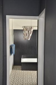 A bathroom at Royal Gatton Hotel