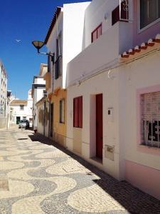 The facade or entrance of Casa da Coroa