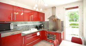 A kitchen or kitchenette at Appart' Rachais