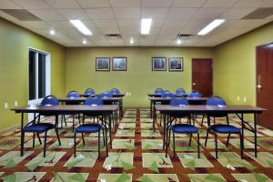 The business area and/or conference room at Country Inn & Suites by Radisson, Ruston, LA