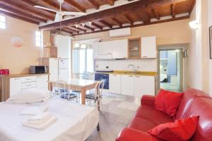 Una cocina o zona de cocina en San Cristofano 18