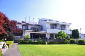 Kebun di luar K's House Fuji View - Travelers Hostel