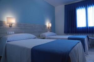 A room at Hotel Playa de las Catedrales