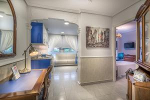 The lobby or reception area at Apartamentos Las Brisas