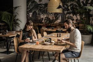 Restaurant ou autre lieu de restauration dans l'établissement Casa Cook Rhodes (Adults Only)